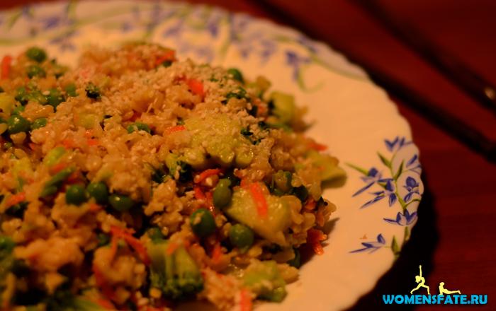Салат из бурого риса